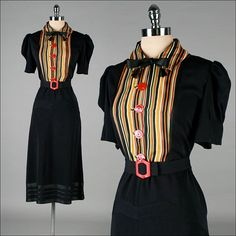Vintage 1940s Dress . Black Cotton . Bakelite by millstreetvintage