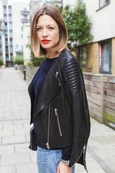 Style Memos The Effective Pictures We Offer You About short black hairstyles for women A quality pic Short Black Hairstyles, Cool Hairstyles, Black Leather Biker Jacket, Moto Jacket, Pelo Pixie, Winter Mode, Facon, Great Hair, Mode Style