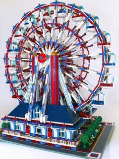 Rebrickable: LEGO inspiration from the kits you already own How to build a working LEGO ferris wheel: Instructions at Rebrickable Want great tips about arts and crafts? Head to this fantastic website! Legos, Chat Origami, Miraculous, Lego Boards, Amazing Lego Creations, Lego Modular, All Lego, Lego Storage, Lego Design