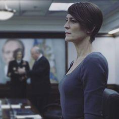 #darkhair #again ❤️😍😛 #hair by @sean105 #robinwright #claireunderwood #houseofcards #season3 #claireunderwoodstyle #ilove #perfect #actress #whitehouse