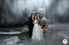 Log cabin Delaney House wedding photo #winter wonderland wedding #winterWedding #logCabinWeddingPhoto