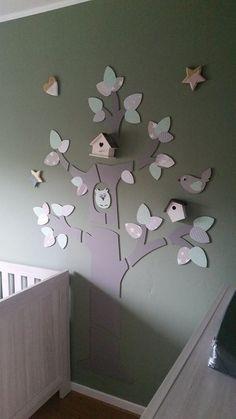 Boom Merijn-licht met een aantal door de klant zelf toegevoegde extra vogelhuisjes.