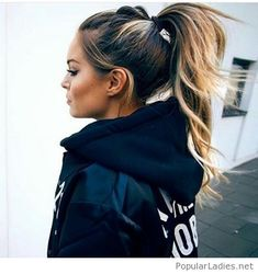 Cool high ponytail street style
