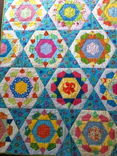 Rose Star quilt - Like the one I made for Diane & Gary (one template only) Star Quilts, Scrappy Quilts, Baby Quilts, Paper Piecing Patterns, Quilt Patterns, Quilting Projects, Quilting Designs, Quilt Inspiration, Millefiori Quilts