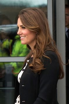 The Duchess was able to tour the Harry Potter sets along with her husband and brother-in-law, wearing Topshop and her hair down -- perfect for casting spells! via @stylelist   http://aol.it/1xscqEn