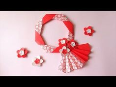 Origami Ring, Origami Wreath, Origami Decoration, Paper Flower Decor, Large Paper Flowers, Flower Wall Decor, Flower Decorations, Gato Origami, Origami And Kirigami