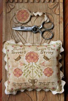 Sweet Lovers Love the Spring via Etsy. Usare le forbici della mamma e fare cuscinetto dedicato a lei <3