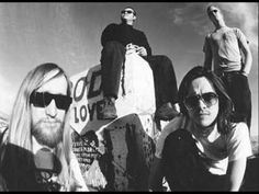 ▶ Kyuss - Into the Void (Sabbath Cover) - YouTube