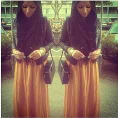 Pose by mylooook. Modest Dresses, Modest Outfits, Modest Fashion, Hijab Fashion, Fashion Dresses, Islamic Fashion, I Love Girls, Hijab Outfit, Get Dressed