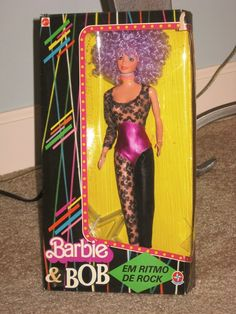 """Collectors of the dolls made by Estrela in Brazil consider this the rarest and often the best of the line. Ken is called """"Bob"""" in Brazil, hence """"Barbie and Bob"""" printed on the box. Check out this awesome WorthPoint article! Barbie 80s, Barbie Dolls For Sale, Barbie Hair, Barbie Life, Barbie Dream, Barbie World, Antique Dolls, Vintage Dolls, Barbies Pics"""