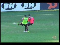 hhttp://www.youtube.com/watch?v=lqUl1dAYVL8  Luan e Pratto podem ser novidade no banco do Atlético em jogo contra o Coritiba