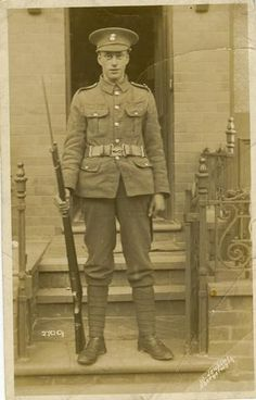 World War I - Royal Welch Fusilier armed with an Arisaka rifle supplied by Japan.