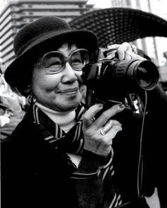 71歳で写真家として再スタートする原動力となったのは、「明治生まれの女性たちの力強い生き様を写真に収めたい」という強い想いだった。
