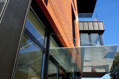 Entrance glass canopy   Daszek szklany nad wejściem