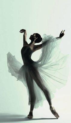 Natasha Kusen, The Australian Ballet, Serenade by Justin Smith.