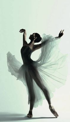 Natasha Kusen, The Australian Ballet, Serenade by Justin Smith.
