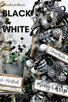 Black and White Christmas Decorations Classic Christmas colors - black and white, crisp and clean, always popular. The black and white Black Christmas Tree Decorations, Black Christmas Trees, Plaid Christmas, Christmas Colors, Holiday Decorations, Christmas Ideas, Christmas Lights, Christmas Fern, Christmas Ornaments