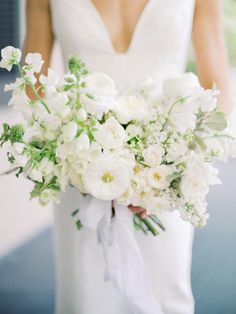 9 Apr 2020 - This Charleston Bride Knew Their Venue Was Written in the Stars After Finding THIS Winter Wedding Flowers, White Wedding Bouquets, Flower Bouquet Wedding, Floral Wedding, Bridal Bouquets, Purple Bouquets, Bridesmaid Bouquets, Bride Flowers, Bouquet Flowers