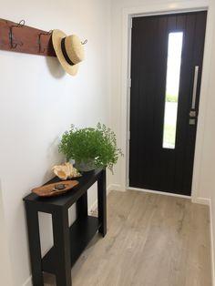 Entrance way, hall table, hat / coat rack