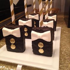 Chocolate Covered Treats, Chocolate Favors, Chocolate Covered Strawberries, Rice Crispy Treats, Krispie Treats, Rice Krispies, Cakepops, Oreos, Boys First Birthday Cake
