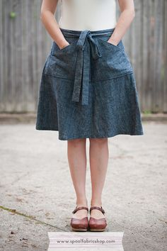 Miette skirt in lightweight indigo denim www.spoolfabricshop.com #miette #skirt #denim