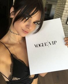 Image about beauty in Jenner, Kendall by D❁ on We Heart It Girl Haircuts, New Haircuts, Hairstyles With Bangs, Pretty Hairstyles, Full Fringe Hairstyles, Bangs Hairstyle, Hair Bangs, Prom Hairstyles, Hair Inspo