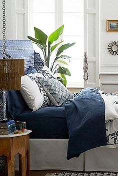 18 Genius Dorm Room Decorating Ideas on A Budget - Kennys Landscaping Cheap Bedroom Sets, Cute Bedroom Ideas, Stylish Bedroom, Awesome Bedrooms, Bedroom Inspiration, Bedroom 2017, Budget Bedroom, Diy Bedroom, Bedroom Apartment