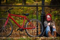 Protect yourself from air pollution caused by staying close to a car exhaustion while riding your bike or while jogging or taking a walk with the first The New School, New School Year, Fashion Trends 2018, Mask Template, Mask Online, Outdoor Survival, Diy Face Mask, Pattern Design, Sewing Patterns