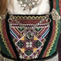 A post from Rukkastakk fra Hallingdal brodert og montert Folk Costume, Costumes, Beaded Embroidery, Traditional Outfits, Norway, Shoulder Bag, Tags, Sewing, How To Make