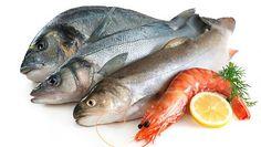 Acabou de arranjar para o seu jantar uma apetitosa posta de peixe. Contudo, não consegue suportar o cheiro que ficou nas suas mãos? Conheça o truque para eliminar o cheiro a peixe. #Cozinha_Tirar_o_Cheiro_a_Peixe #dicas #truques #cozinha #peixe