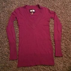 AE long sleeve shirt. Size small Darker fushia purple. Size small, worn a few times but excellent condition. American Eagle Outfitters Sweaters