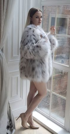 Lynx, Fox Fur Coat, Fur Coats, Fur Fashion, Womens Fashion, Sexy Women, Women Wear, Fabulous Furs, Looks Chic