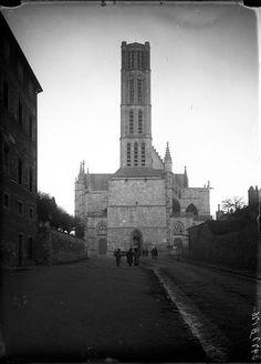 Rue de la Cathédrale, vers 1910. Photo Jean-Baptiste Boudeau. Bfm Limoges