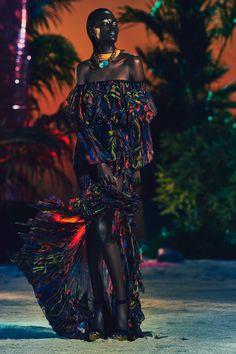 Bianca Jagger, Iman e Veruschka inspiram o resort 2017 da Balmain - Vogue | Desfiles
