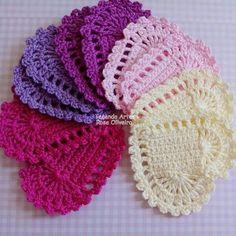 Corações fofuchos para aplique, amo fazer ❤ #crochet #heart #coracaodecroche