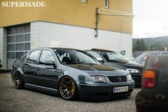like the colour & wheel colour combo, would look good on a Vw R32 Mk4, Vw Tdi, Vw Passat, Jetta A4 Tuning, Colour Wheel, Colour Combo, Jetta Wagon, Bmw E38, Exotic Sports Cars
