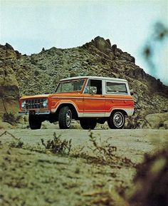 """madetodefend: """" 1974 Ford Bronco in Orange with the white hard top in an original """" Classic Bronco, Classic Ford Broncos, Classic Trucks, Classic Cars, Old Bronco, Early Bronco, Broncos Pictures, Used Cars Online, Car Goals"""
