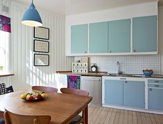 Like the two tone cabinet doors