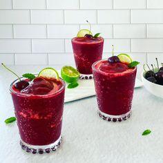 Refreshing celebratory drink for New Years! Frozen Cherries, Sweet Cherries, Virgin Cocktails, How To Make Smoothies, Daiquiri, Slushies, Rum, Tart, Watermelon