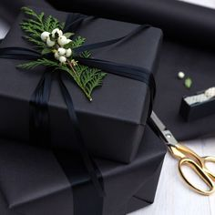 Gift Wrapping Ideas-This holiday survival kit is the ultimate collection of everything you need to h. Creative Gift Wrapping, Creative Gifts, Wrapping Gifts, Elegant Gift Wrapping, Gift Wrapping Ideas For Birthdays, Japanese Gift Wrapping, Diy Birthday Wrapping Ideas, Cute Gift Wrapping Ideas, Wedding Gift Wrapping