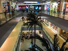 Compras em Santiago: vale a pena? Chile, Shopping, Interior, Shopping Tips, Feather, Travel, Saint James, Backgrounds, Chili