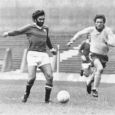 Man Utd 0 Aston Villa 2 in Oct 1973 at Old Trafford. The very rare sight of George Best playing for Man Utd reserves #CentralLeague