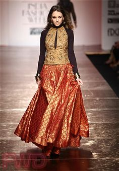 orange skirt Ethnic Chic, Ethnic Fashion, Asian Fashion, Pakistani Outfits, Indian Outfits, Indian Clothes, Indian Attire, Indian Wear, Bollywood Fashion