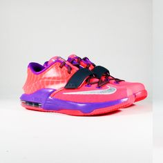 Check out the VILLA release details for this upcoming Nike KD 7 GS 'Hyper Punch' which drops for the kids this Black Friday. Cute Sneakers, Kids Sneakers, Sneakers Nike, Nike Shoes Huarache, Kd 7, Nike Shoes Outfits, School Shoes, Mens Fashion Shoes, Elite Socks