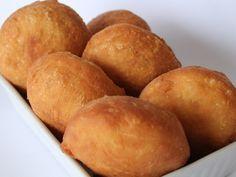 VETKOEK! 1/3 cup Coconut flour 1 pinch Salt 1/2 tsp Baking powder 1/2 tsp Psylium Husks 2 Eggs 1/4-1/3 cup Milk/Cream