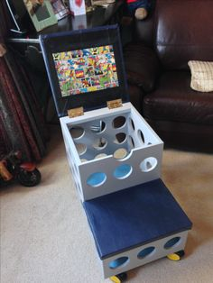 Captains Bed, Looks Cool, Pinball, Arcade Games, Stool, Cool Stuff, Chairs, Stools