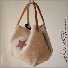 handmade tote bag in natural jute 2 - handmade Diy Bags Purses, Purses And Handbags, How To Make Purses, Tote Bags Handmade, Jute Bags, Couture Sewing, Purse Patterns, Pouch Bag, Canvas Tote Bags