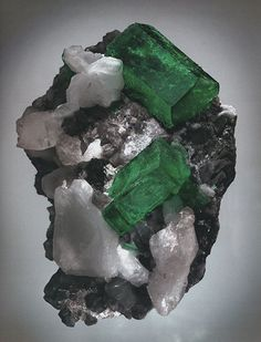 Beryl , Emerald , Columbia, photographed by Harold and Erica Van pelt, from Thompson's Ikons