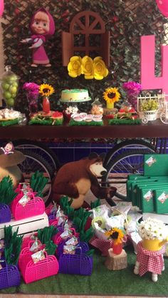 Decoración cumpleaños masha y el oso @specialmomentsvpar 3rd Birthday Boys, Bear Birthday, 3rd Birthday Parties, Masha And The Bear, Bear Party, Fiesta Party, Alice, Childrens Party, Minnie