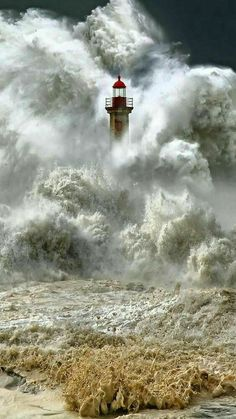 Massive waves engulfs a lighthouse. I look at these images, and I can't fathom the what the person is feeling, the one IN the lighthouse, even the photographer. Cool Pictures, Cool Photos, Beautiful Pictures, Storm Pictures, Amazing Nature Photos, Sea Pictures, Powerful Pictures, Fuerza Natural, Beacon Of Light